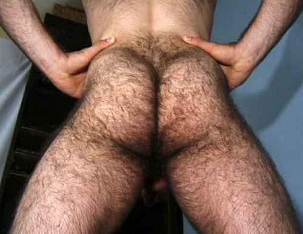 Homem com bunda peluda