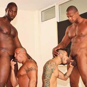 sexo gay com pedreiros negros da obra