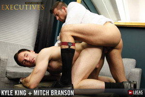 Mitch Branson e Kyle King gay fucks anal