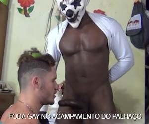 foda gay no acampamento do palhaço