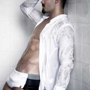 Paparazzo | Yuri Fernandes com pau marcado na sunga