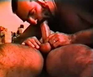massageando o pau do hetero