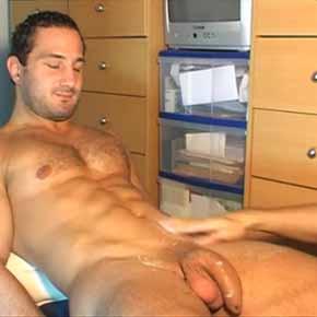 hetero ganha massagem gay