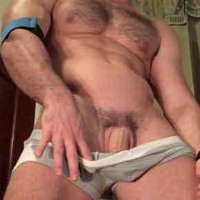 Homens-sarados-e-seus-caralhos-pesados-soloboys-amateur