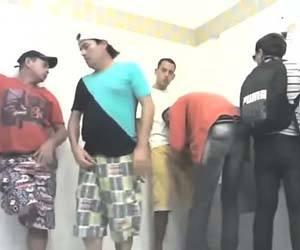 banheiro masculino da rodoviária pegação gay