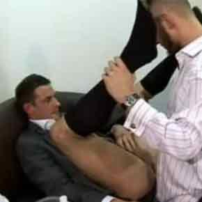 Reunião-de-caralhos-com-executivos-gays