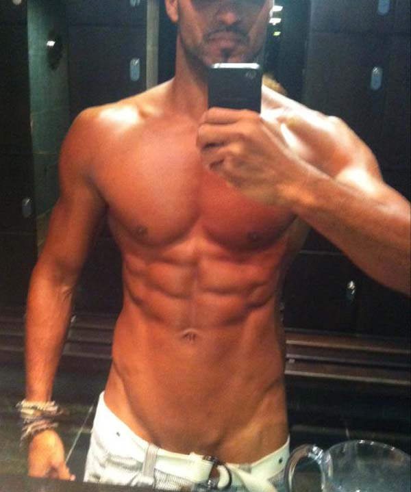 Ricky Whittle naked pelado pauzudo