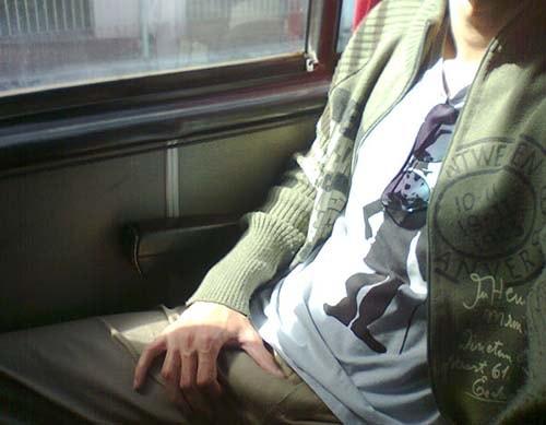 endurecendo a rola no ônibus