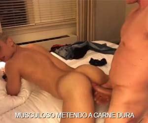 macho musculoso metendo carne dura cu loiro sarado
