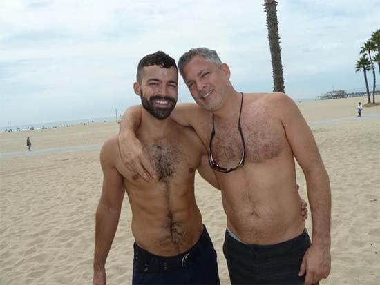 casal gay coler e hunter praia sexo gay