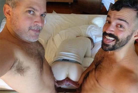 pai e filho comendo cu sexo gay coler e hunter maverickmen