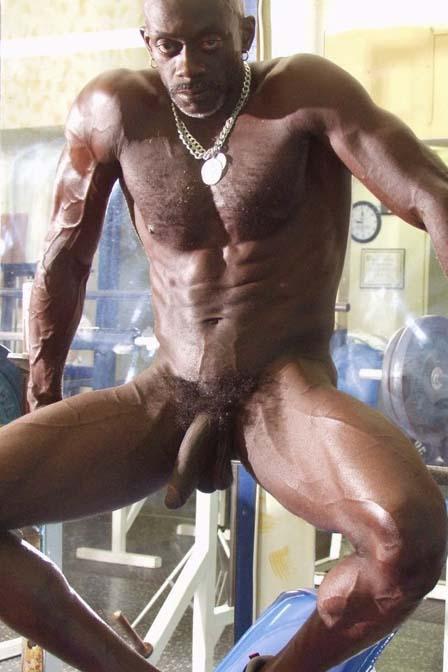 negro fortao gari pelado pau grande pentelhudo