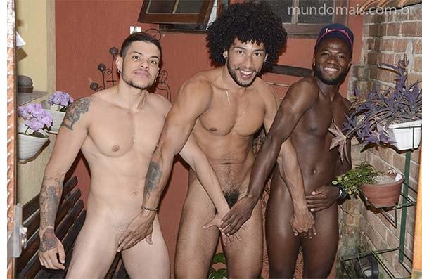homem trans com amigos de rola pelados mundomais