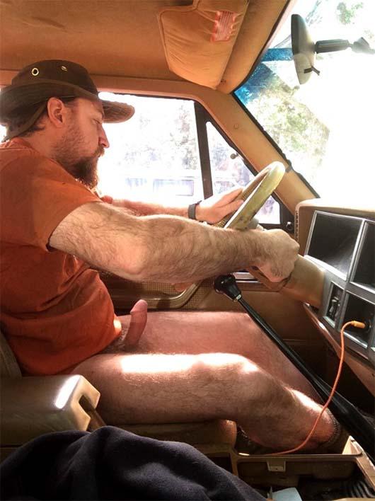 caminhoneiro cabra macho pelado pau de fora