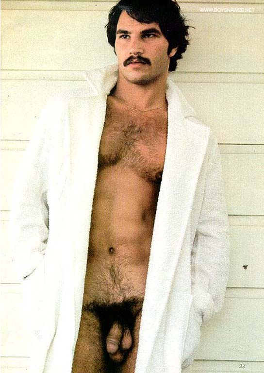 homem ao natural vintage pelado pica peluda pentelhuda gay amador-min