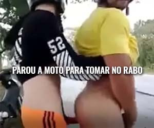 mototaxista-parou-moto-dando-cu-sexo-na-rua-sexogay