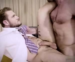 loiro fodido mesa escritorio gay